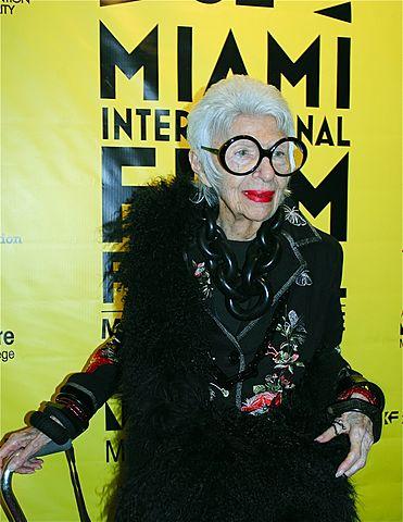 Iris Apfel au O Cinema Miami Beach pour présenter IRIS